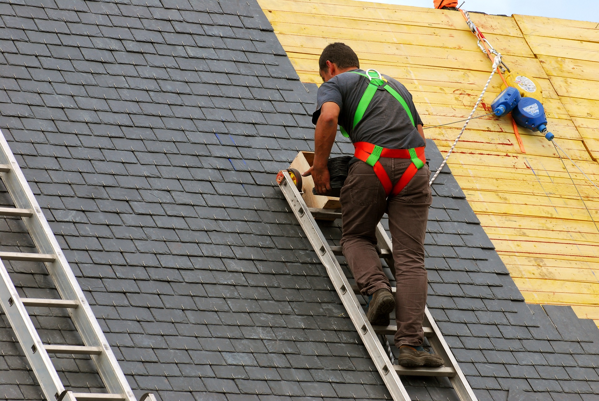 Roof Painting With an Exclusive Weather Proofing Facility