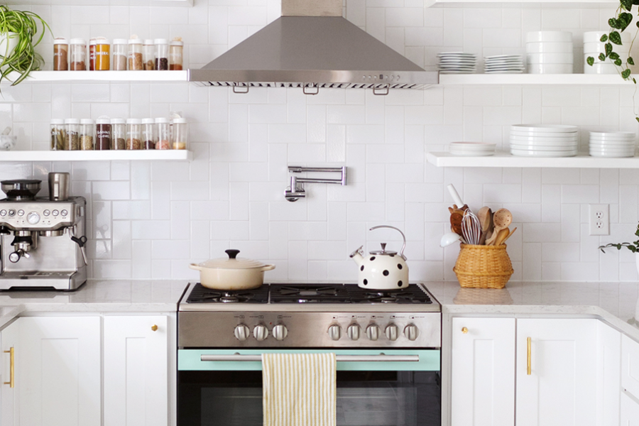3 Simple Ways to Spruce up an Old Kitchen